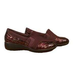 Like New Clarks Collection Brown Slip-on Wedges